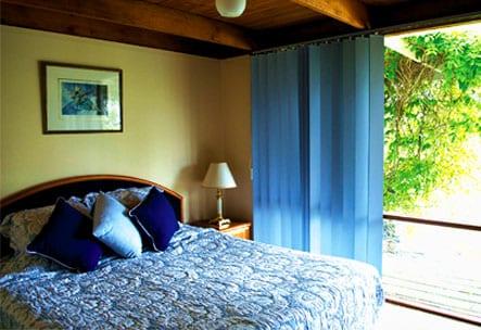 Englewoodridge Queen size Bedroom